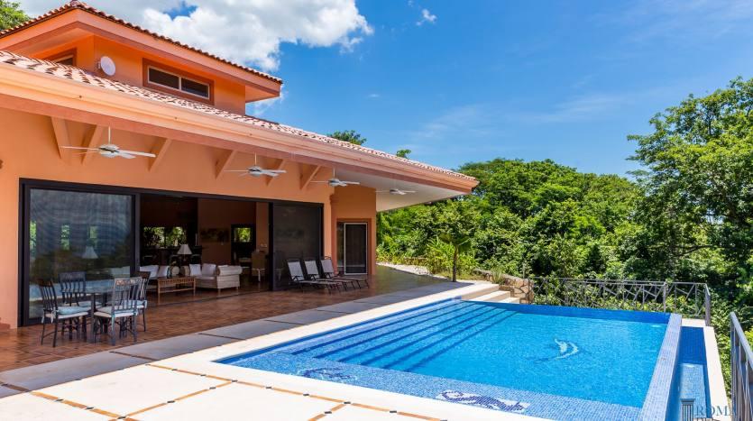 Villa 16_Chantal aussen
