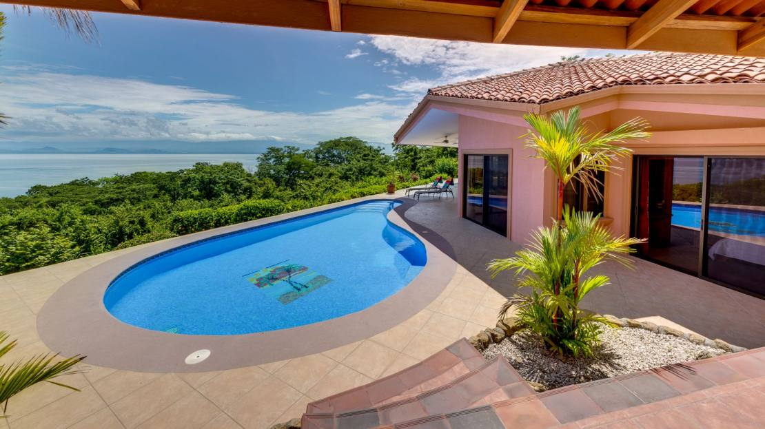 Villa 4_Pool View Facade